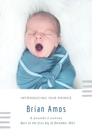 White and Yawing Baby Birth Announcement Aankondiging