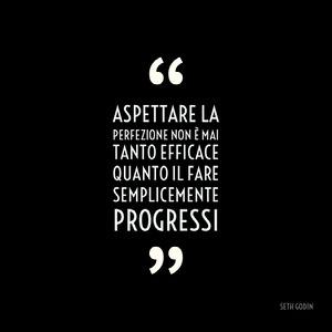 Aspettare la perfezione non è mai tanto efficace quanto il fare semplicemente progressi Fonts Gratis