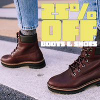 Boot and Shoe Store Sale Instagram Square Ad Photo de produit Amazon