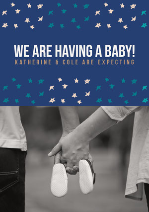 Blue Pregnancy Announcement Card with Couple Holding Hands Wir bekommen ein Kind