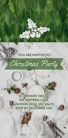 Green and White Christmas Party Invitation with Christmas Holly Convite