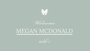 Teal Wedding Table Place Card with Butterfly and Calligraphy Tarjetas para mesas de invitados