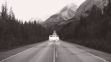 Black and White Open Road Banner Facebook-Titelbild